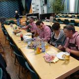 KGB-Team-Sitzung mit Leberkäse